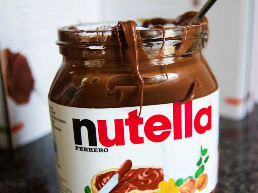 2. 2 tablespoons of nutella ( or more , if you absolutley completly love nutella )