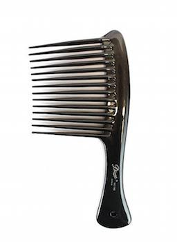Straight hair  A wide-tooth comb eases out tangles without distributing oils and weighing hair down.