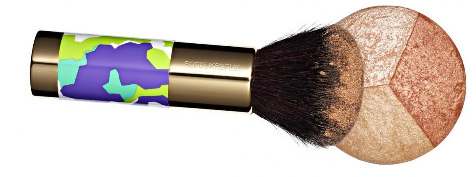 2. A multicolor bronzer.