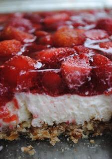 Strawberry pretzel dessert 🍓🍓🍓🍓😍😍😍
