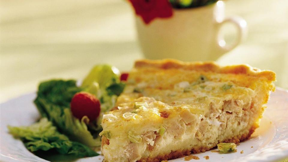 Thanks to a press-in-the-pan Bisquick* crust, serving quiche just became extra easy.
