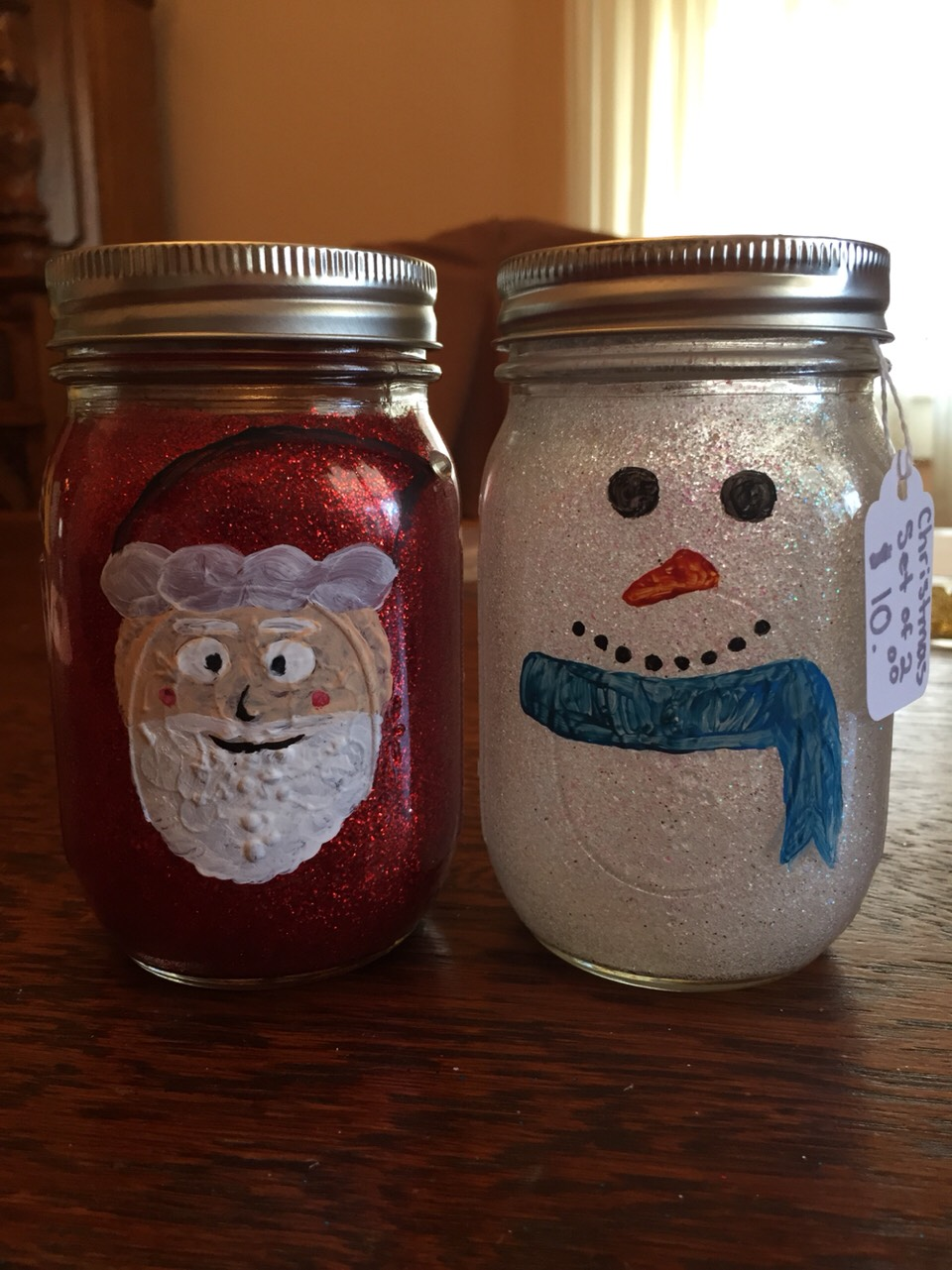 Make christmas themed mason jar to decorate