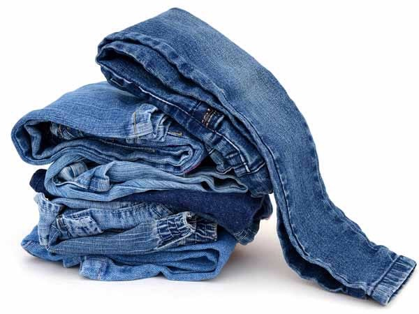 Motivate yourself. Get a pair of jeans or pants that are too tight and hang them in the kitchen instead of in the closet to keep yourself inspired.