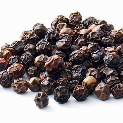 Black pepper to quit smoking In one study, cigarette smokers who inhaled it reported having fewer cravings than those who didn't; the scent irritates the back of the throat, a sensation smokers miss.