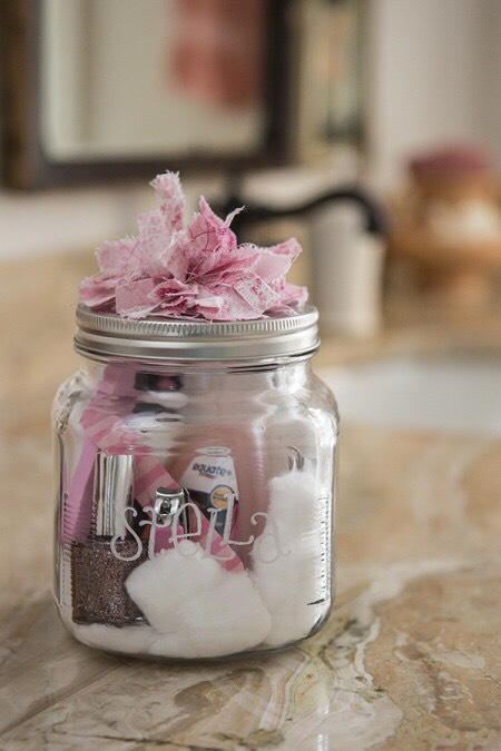 Little jar full of the perfect last minute gift for a special girl.💅