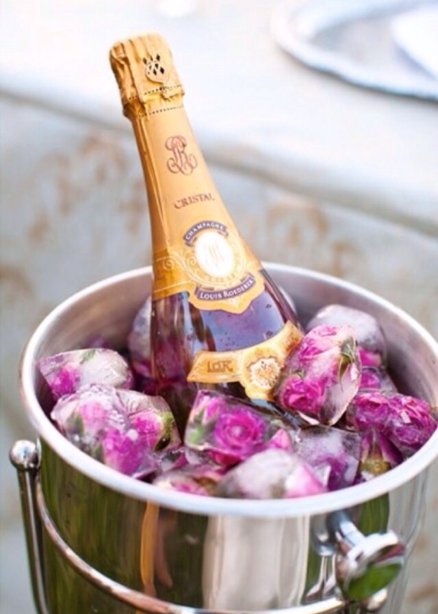 Beautiful Champagne & Rose Ice Cubes! 💖💖
