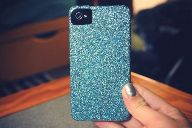 take a white case cover it in glue and dip it in sparkles or micro beads