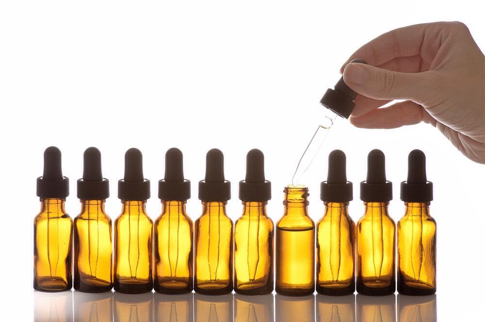 (+)1-3dropsskin nourishing essential oil, if desired.