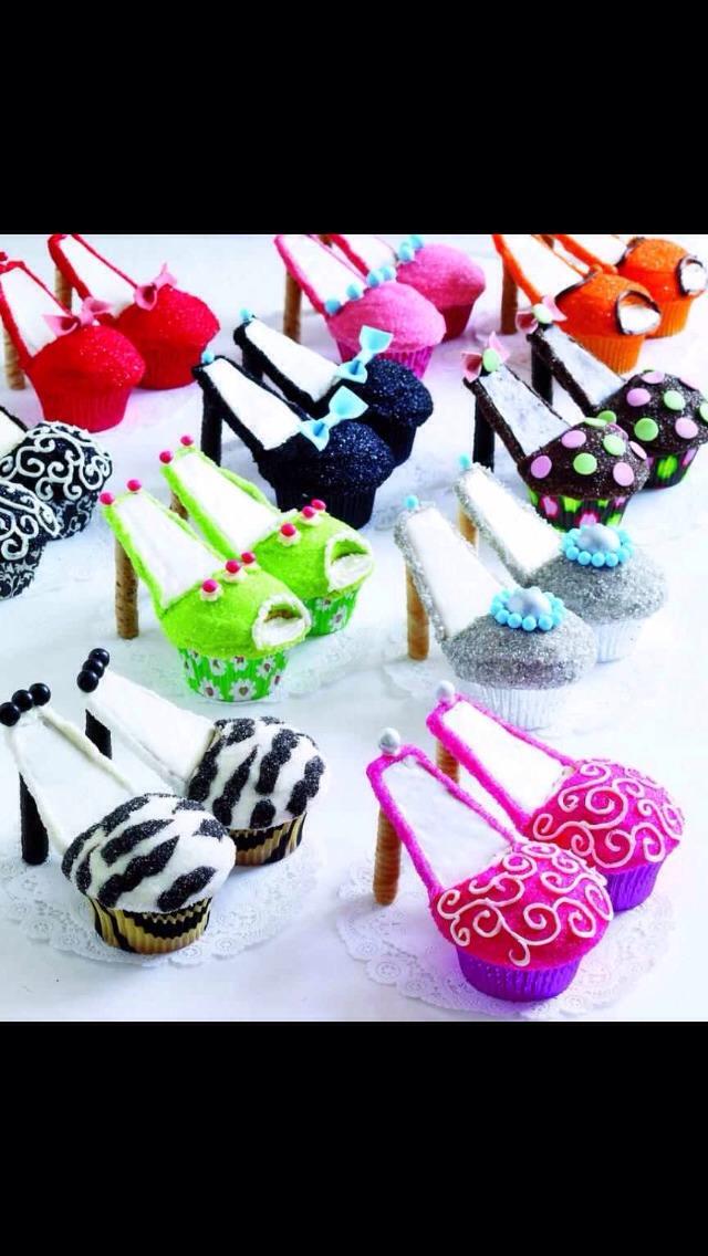 Cake or cupcakes