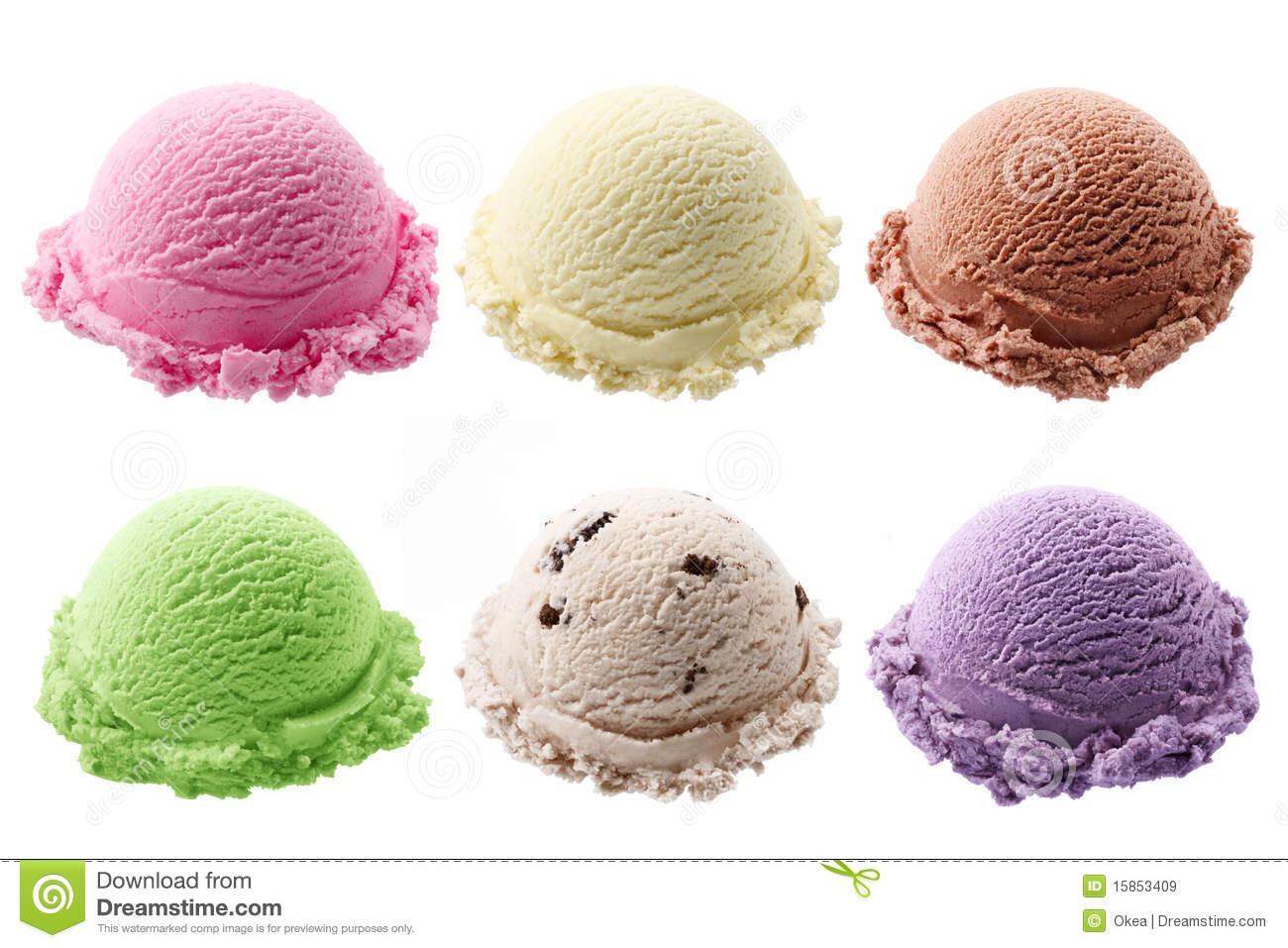 Scoop your ice cream into 10 balls and put it back in the freezer Faites 10 boules de crème glaçée et remettées les dans le congelateur.