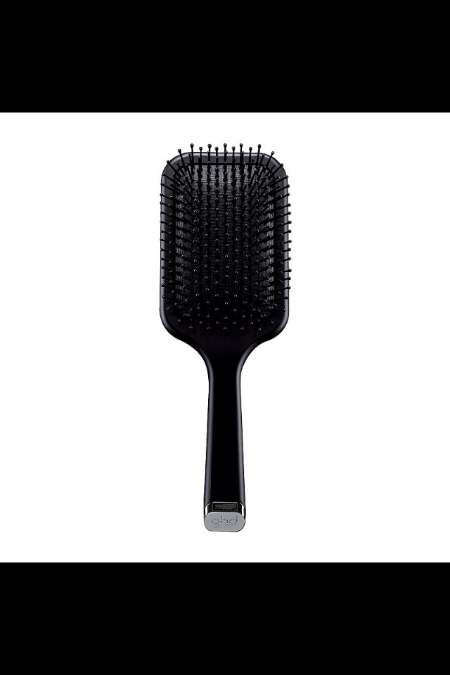 For Long, Straight Hair . . . You need something basic that isn't going to kink or pull your hair. A paddle brush, like GHD's Paddle Brush ($55), follows the same contours as your mane. Its squared-off design makes sure you aren't waving or curling, and its rubber cushion helps decrease friction