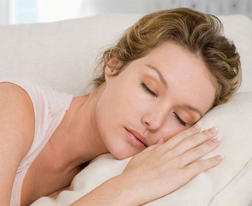 Get at least 8 hours of sleep . When you don't get enough sleep your gaining calories rather than losing them .