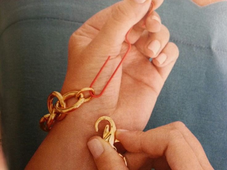 Attach your bracelet solo simply by uncoiling a paper clip into an S shape. Hook it through the last link and hold with your hand while you clasp closed with the other. Who needs a man AMIRIGHT? 🙏🏻