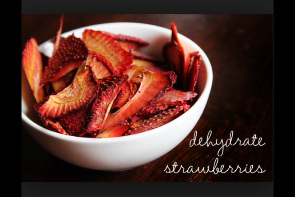 Take any dehydrated or regular fruit. In my case I love to use dehydrated strawberries.