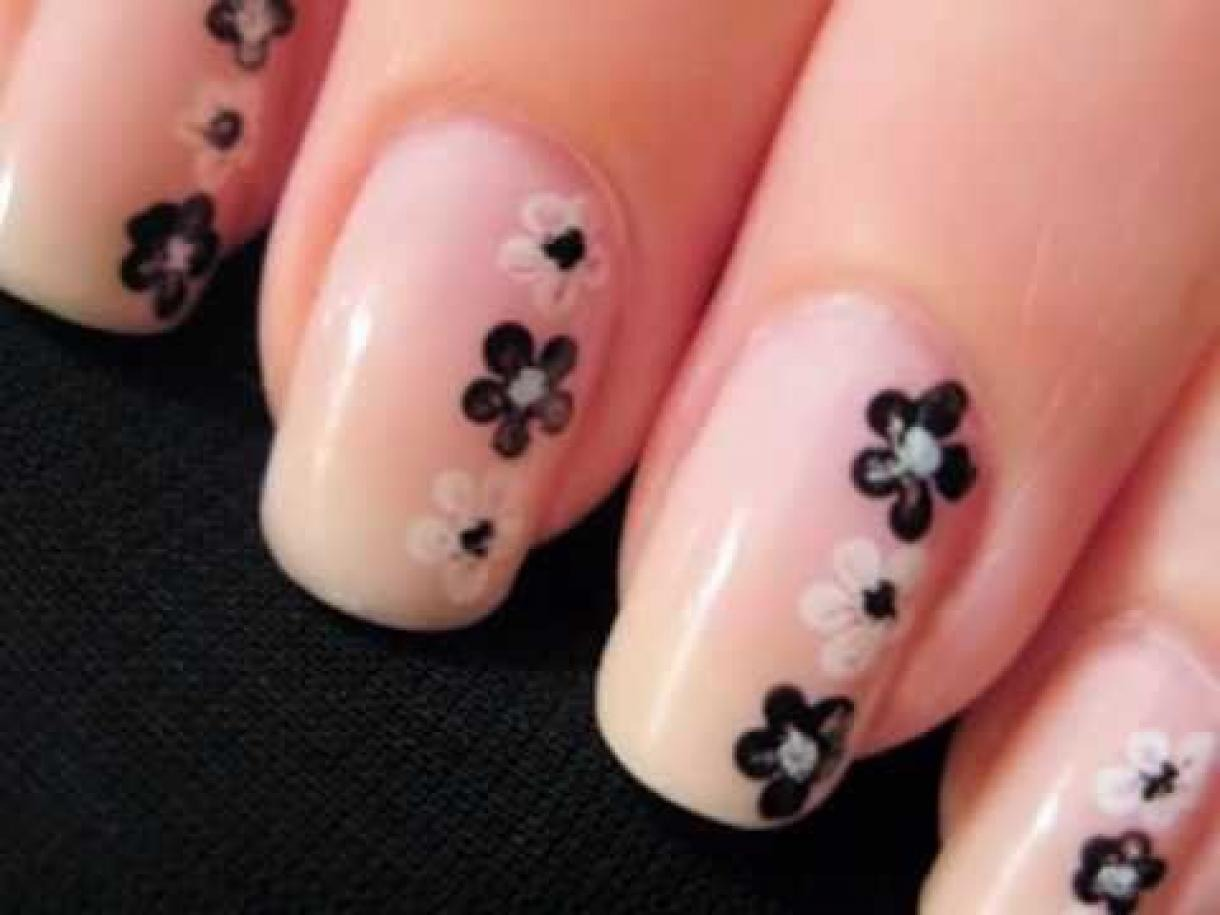 A simple but gorgeous nail design which will be perfect for any occasion