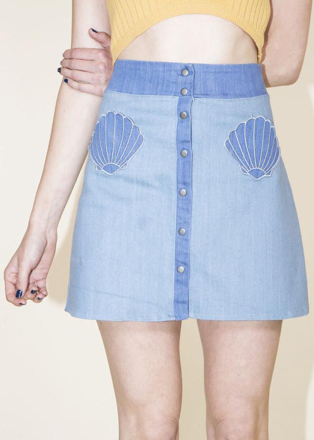 21. A skirt with cute little shell pockets.