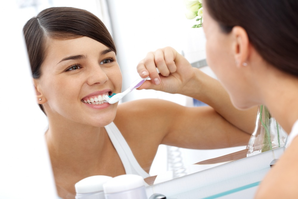 Brushing after meals: Brushing your teeth directly after meals can do more harm than good.Fruits, particularly orange or lemon juice, vinegar, sport drinks and soft drinks, all have a very high level of acidity in them and what they do is soften the enamel. It's best to wait 30 mins after eating.