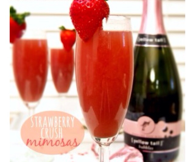 INGREDIENTS 1 bottle sparkling champagne  1 bottle Berry Blast Smoothie Naked drink Strawberries (garnish)