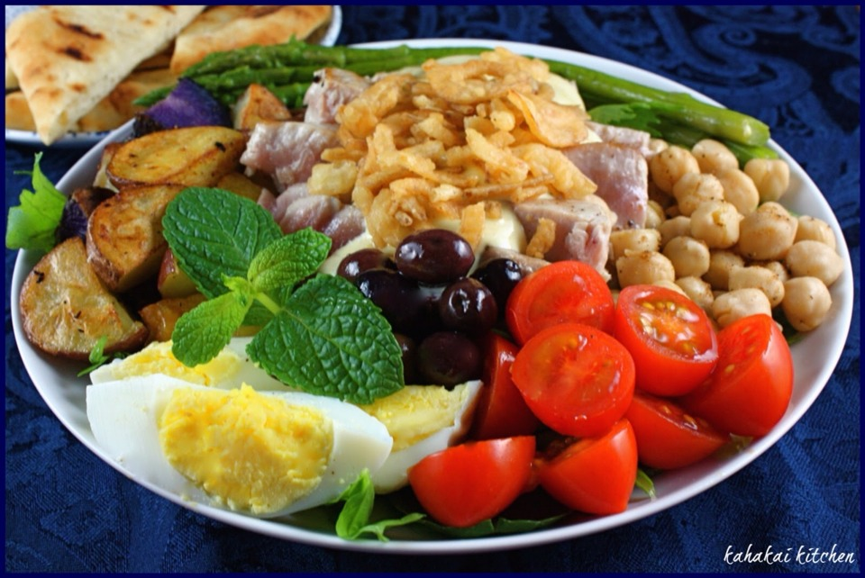 4. Don't Clear Your Plate Weight loss experts recommend to leave 20% of your meal, and save the rest as leftovers for a healthy lunch the next day. If you normally eat 2,000 calories a day, you'll cut 500 calories.