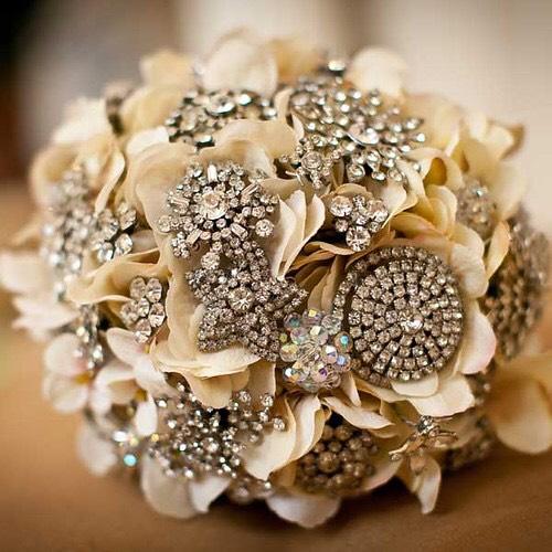 A brooch bouquet