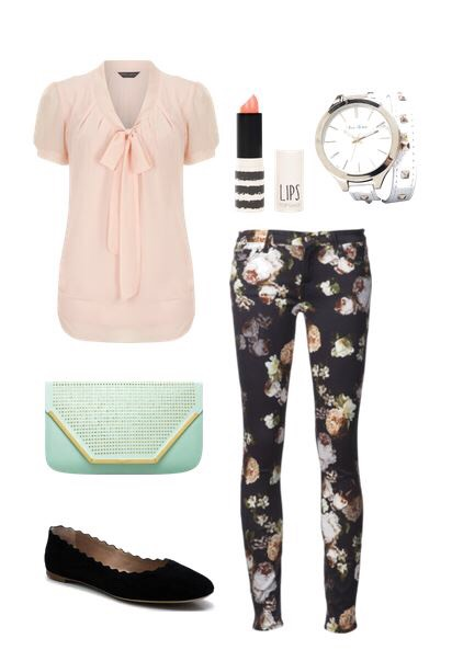 A solid top with printed jeans is always cute
