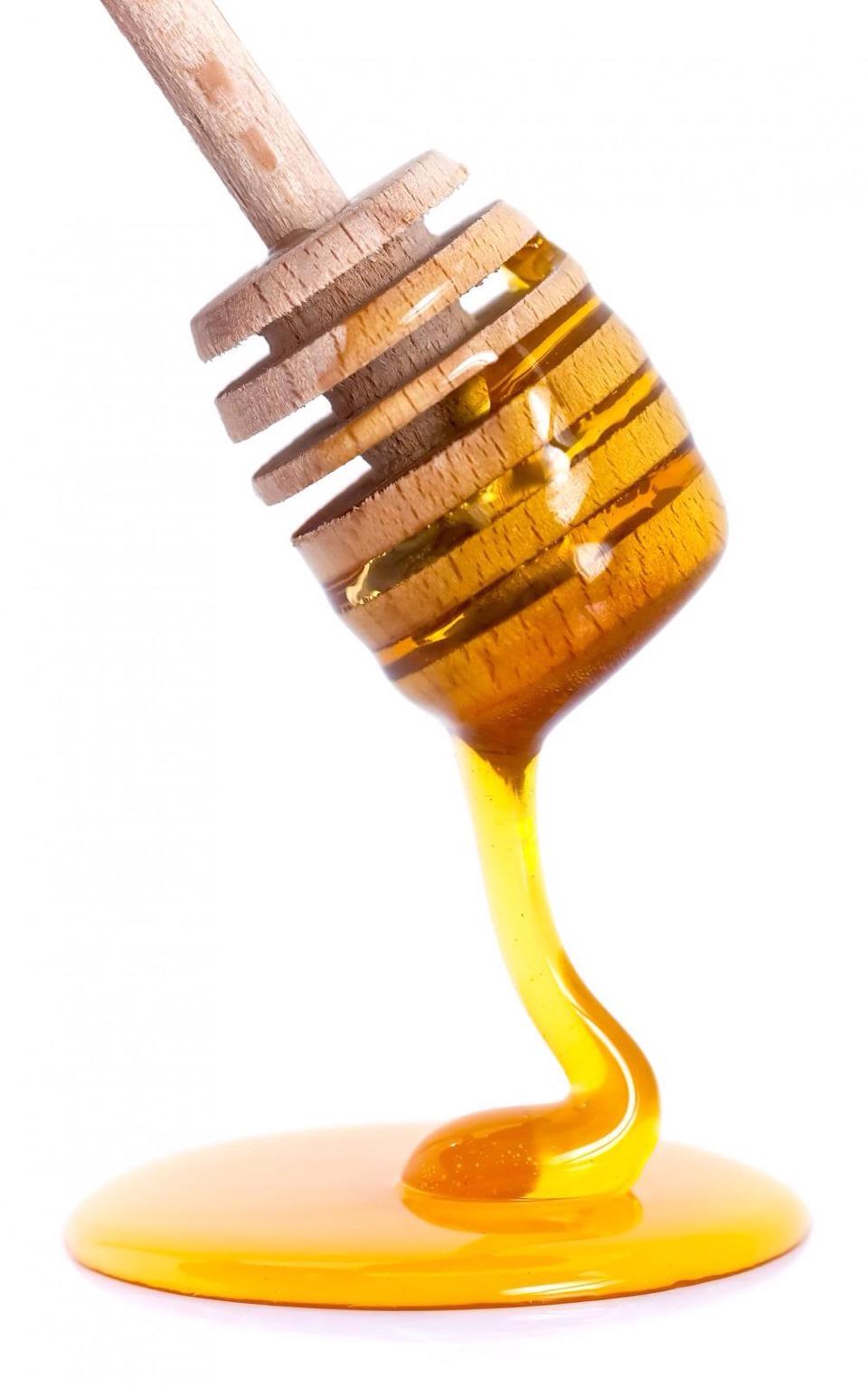 Honey to moisten pores