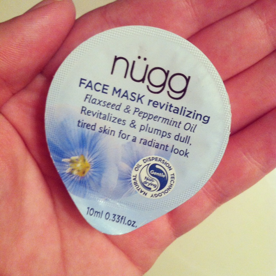 Nüggs Revitalizing face mask to save the day! The peppermint in it not only helps to clear your nose but the tingly sensation helps to relieve facial congestion in general. I could feel everything loosen up and it was truly amazing after a long day! (And night with no sleep!)
