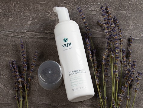 No rinse body cleansing foam  Instanly refesh And foam away sweat, dirt And odor. When you're in a rush Or a shower ins't available.A blend of Neen extract And aloe vera vanishes instantly With no rinse needed.Skin feelpristine And softA light aromatic blend of calming essential oils releases stre