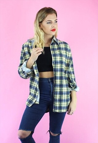 This season is all about the baggy checkered shirts that can make you look more relaxed and helppull a whole outfit toghether.