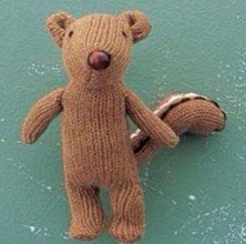 Add eyes and a nose. And there u have it! A cute little squirrel out of an old pair of gloves!