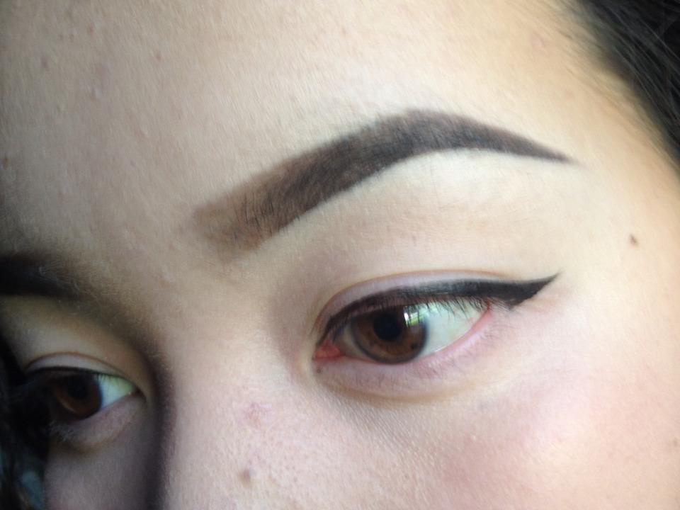 I use eyeliner fort as a guidelinez