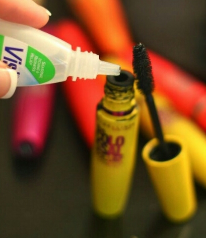 It sucks when your Mascara dries out. So use Vasiline (or another eyedrop product) to make the Mascara not so dry!