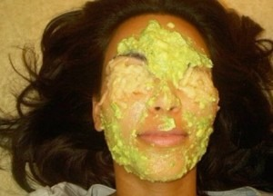 """Check """"Kim Kardashian Face Mask Recipe""""! Kim Kardashian is fond of making face mask with natural ingredients. She once tweeted her applying facemask at home. This is one of Kim Kardashian beauty secrets."""