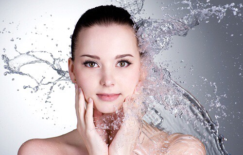 """Keep your skin hydrated from the inside out: One of the key functions of the skin is to detox your body and hence keeping your skin hydrated is a natural tip about """"how to clear skin naturally""""."""