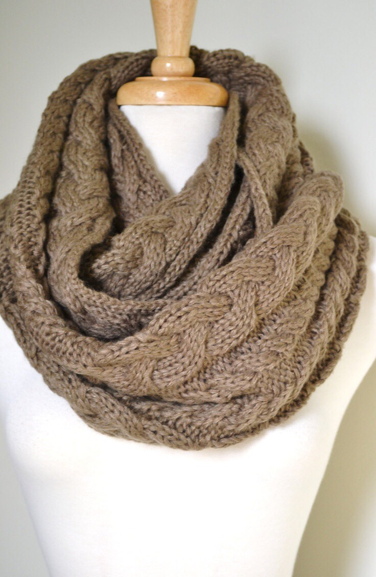Infinity scarves or chunky scarves are also a common fall piece that many (including me) love. Again, it makes everything seem happier and cozier when you wear one of these.