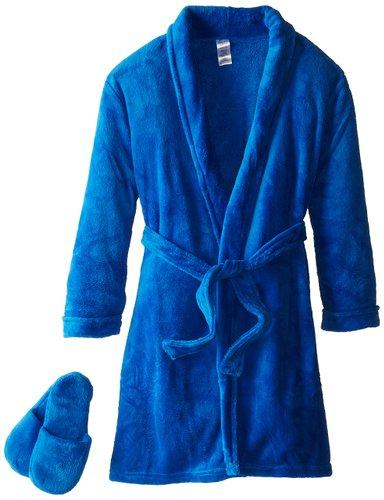 Robe and slippers Get your guy a cozy robe and comfy slippers! They usually come in sets and make awesome gifts!