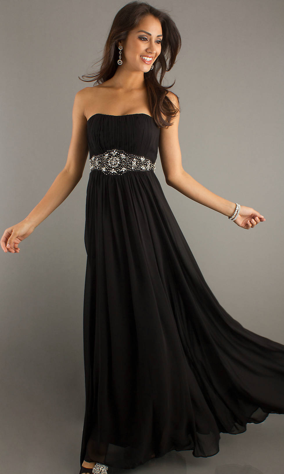 Another big no-no for prom is a BLACK dress. Again, wear this color at a more appropriate occasion (like a funeral)!