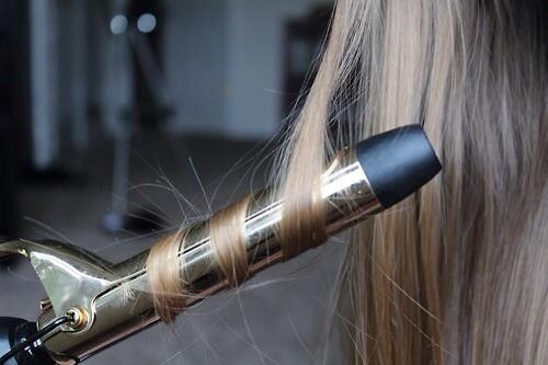 Hair accessories (curler, straighter, hair ties, sprays)