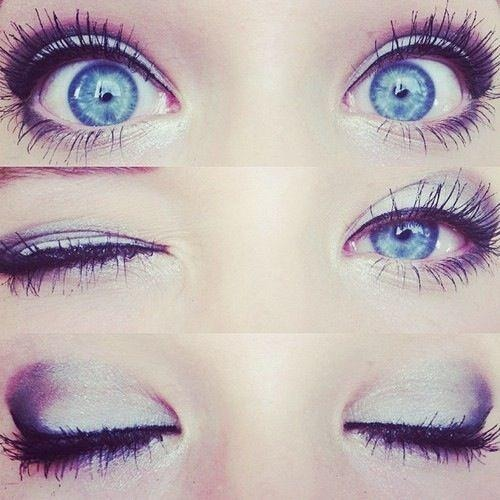 If your going to go for bold colors, lightly dust on eyeshadow.