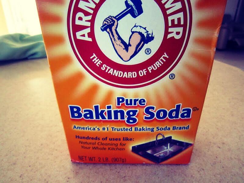 Sprinkle baking soda on eye lashes.