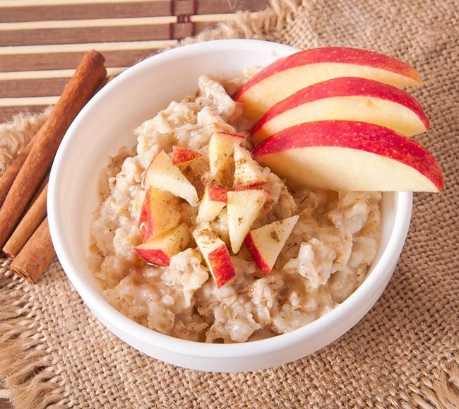 2. Oatmeal: You already know we love oatmeal here, but did you know it's full of fiber? It will keep you fuller longer to help eliminate cravings, plus you can garnish it with whatever fruit and spices take your fancy!