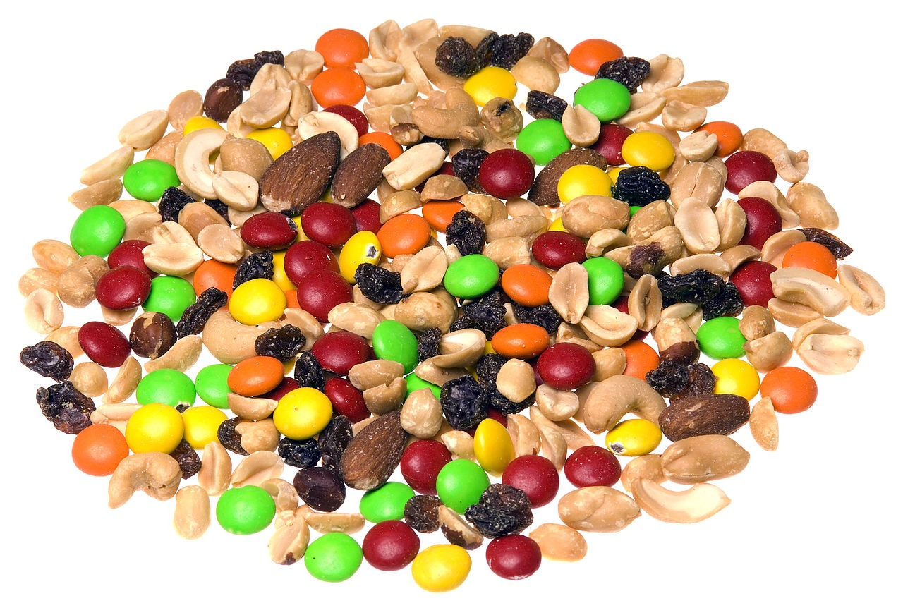 5. Be prepared. Sitting at work and looking wistfully at the vending machine isn't good for anyone. Create your own trail mix with dried fruit (we like golden raisins and cranberries), nuts, and sunflower seeds, then store it in ziplock bags that you can take to work.