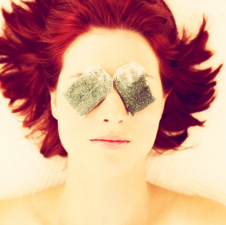 Squeeze out the water from the tea bags and place them on your eyes for 10 minutes