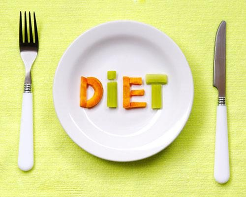 Diet is the most important key to success in weight loss. Limit yourself to 3 meals a day and in between those meals a healthy snack . Eat foods like vegetables , fruits , whole grains , brown rice , and lean meat . Never have carbs after lunch and eat 3 hours before bed .