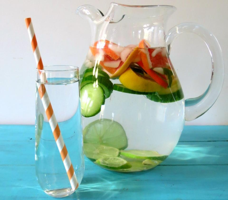 2. Citrus and cucumber  A blend of lemon, lime, orange and cucumber will please your taste buds. It can help with bloating, and detoxifying your kidneys.