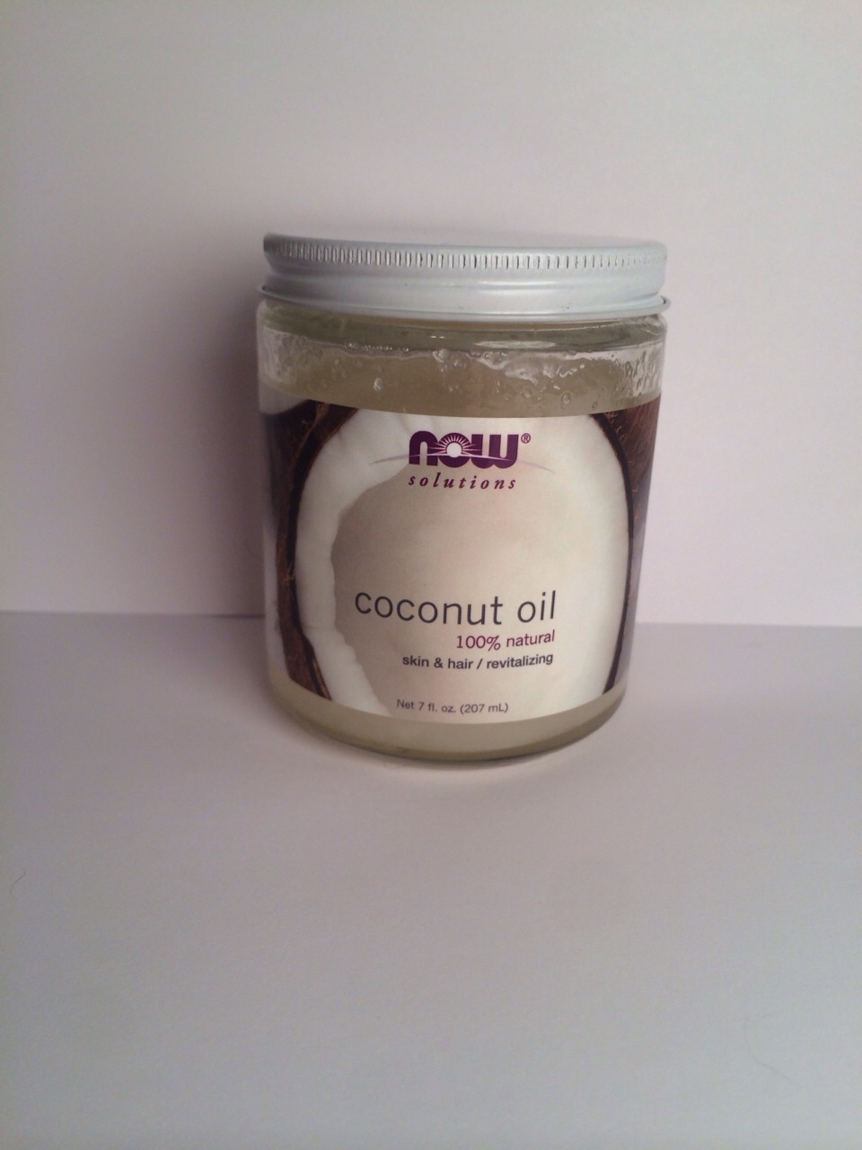 Part 1: 100% All Natural Coconut Oil Benefits: Coconut oil has mass amounts of Vitamin E, which promotes healthy hair growth and makes hair look shinier and healthier after just one use.