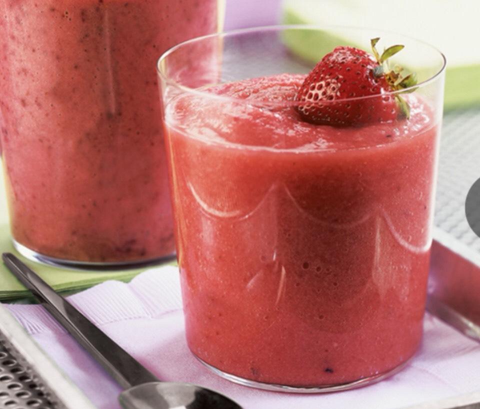 Berry Good WorkOut Smoothie  -Serves 1 person 1 1/2 c chopped strawberries  1 c blueberries 2 tbsp honey 1 tsp fresh lemon juice  1/2 c ice cubes