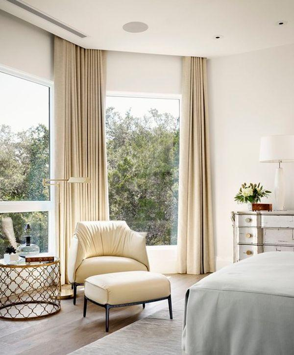 Ceiling high curtains Hanging curtains as high as your ceilings instead of just on the windows helps to create the illusion of height, making your room look much more spacious. Go for softer solid colors that stick within your color scheme to create a more organized and less cluttered space.