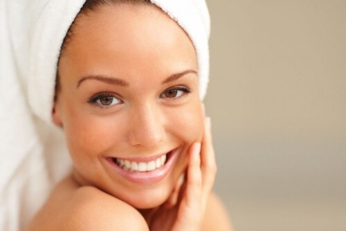 Eat foods such as carrots, spinach, salmon, and bell peppers. They all have amazing benefits for your skin.