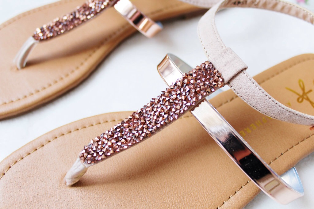 Flat sandals- I get at least a pair of this every summer. The ones that I buy are from primark. They are perfect to wear with any outfit.